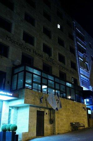 Montefiore Hotel: Hotel Montefiore at Night