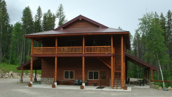 Glacier Raft Company:                   outside view of the retreat