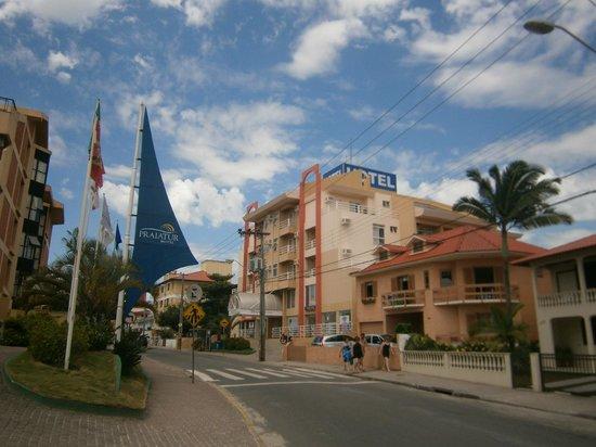 """Praiatur Hotel Florianopolis: 2 Ingleses-Praiatur: Edificio """"Express"""""""
