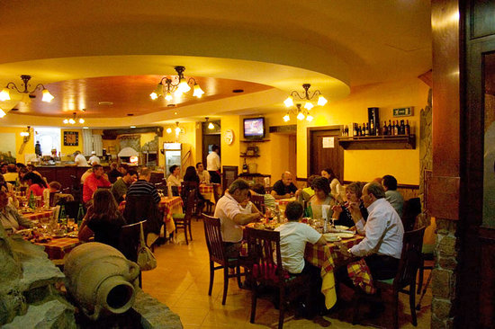 golden eagle restaurant - 550×366