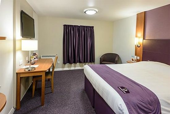 Premier Inn Inverness Centre Millburn Rd Hotel Room With Desk Chairs And