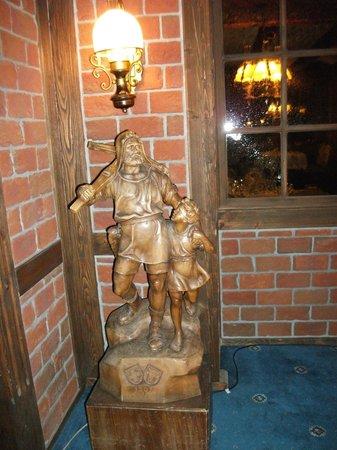 Seehotel Pilatus:                   Reception area....wood carving