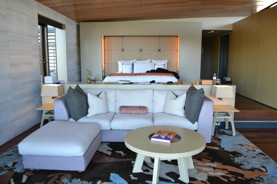 Saffire Freycinet: Bed area from lounge