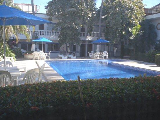 Hacienda de Vallarta Las Glorias:                   View of the pool from our room