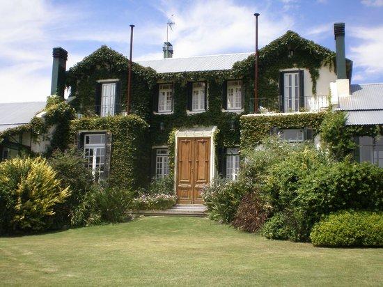 La Casa de los Limoneros:                   Vista desde el jardín