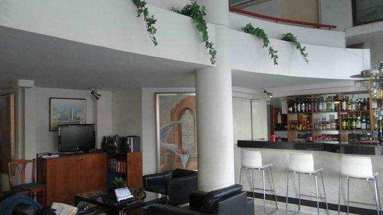 Frangiorgio Hotel Apartments: Lobby and bar