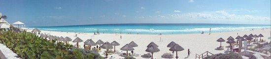 Park Royal Cancun:                   A praia em frente ao Hotel Park Royal