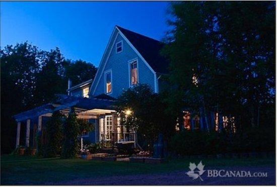 Hunter House Inn: Lovely Summer Evenings