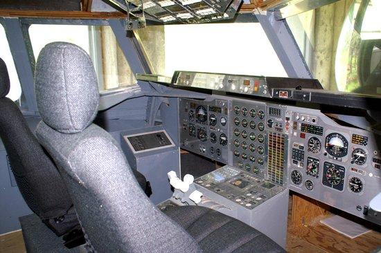 Bedford, Kanada: BAe 146 cockpit