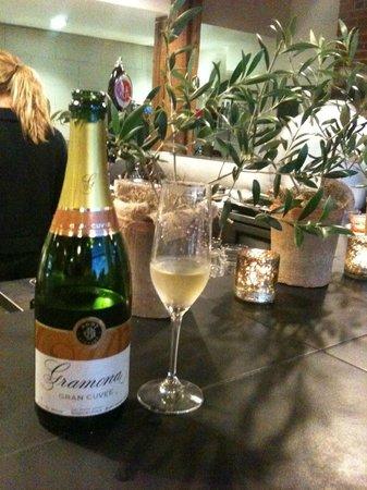 Meze Wine Bar & Bistro:                   Great beginnings include bubbles!