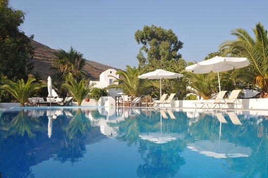 Pelagos Hotel-Oia: pool area