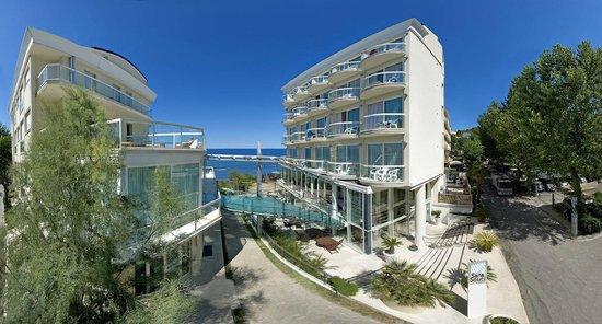 Hotel Sans Souci Gabicce Mare Adria Vacanze Urlaub Holiday