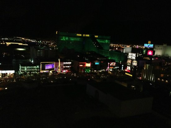 Park MGM Las Vegas: Strip View Room