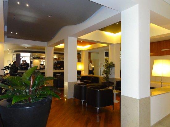 BEST WESTERN Bologna Hotel - Mestre Station:                   lobby perto dos restaurantes