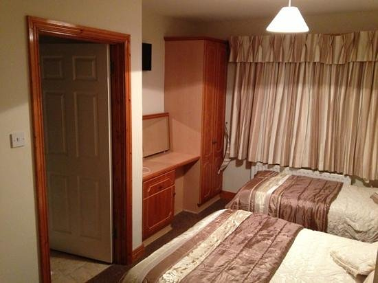 Newbridge, Irland: Very clean & warm room