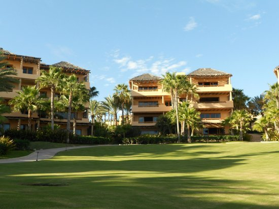 Esperanza - An Auberge Resort:                   buildings and grounds