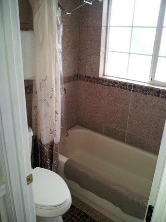Metlakatla, อลาสกา: bathroom 8
