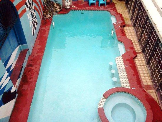 Parador Oasis:                   Pool w/Jacuzzi