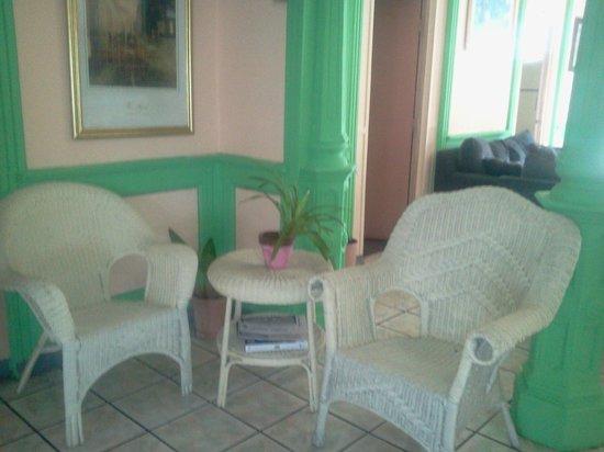 Parador Oasis:                   Lobby section