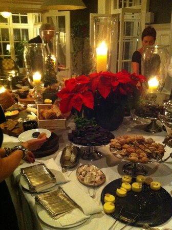 Langdon Hall Country House Hotel & Spa: After dinner dessert buffet