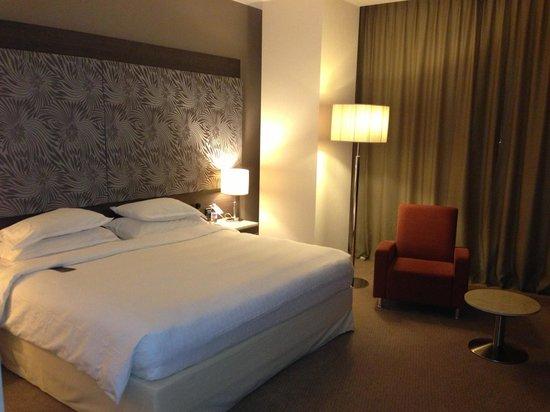 Sheraton Milan Malpensa Airport Hotel & Conference Centre: Stanza Club