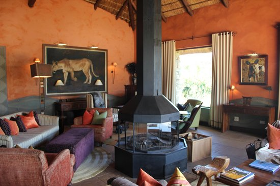 Pumba Private Game Reserve:                   Lounge area