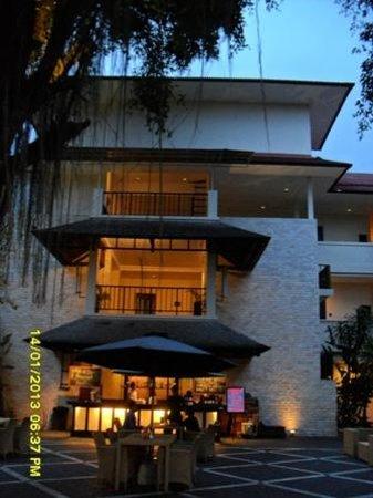 Best Western Resort Kuta:                   Front view (1)