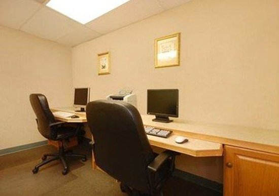 Comfort Inn Quantico: Business Center