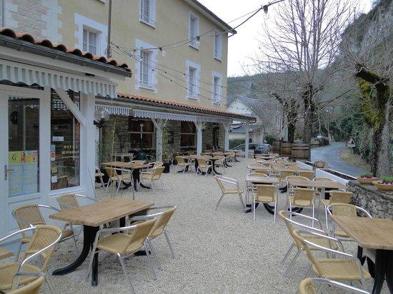 Hotel Brasserie Lacave :                   Frente do hotel