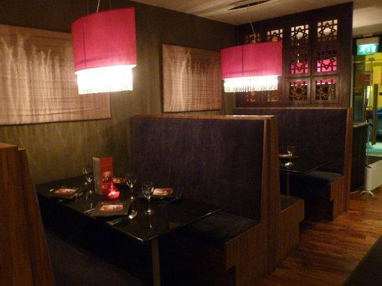 Kama Sutra Stirling: Salle restaurant 2