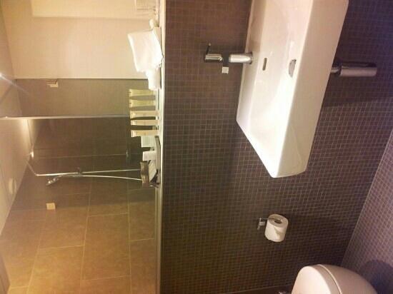 Hotel Lavaux: bagno