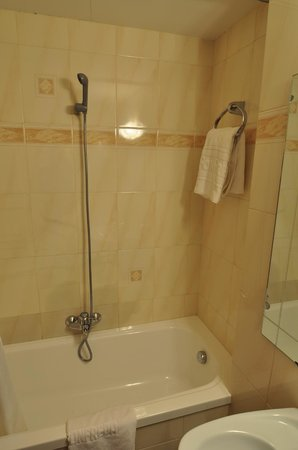 Fonfreda:                   Shower