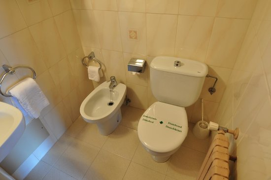 Fonfreda:                   Bathroom
