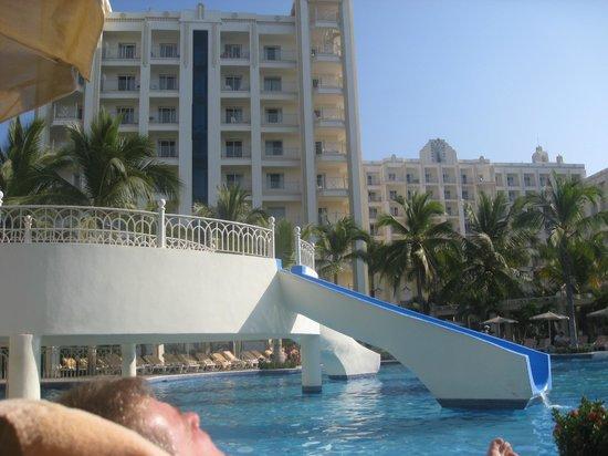 Hotel Riu Vallarta:                   Pool slide