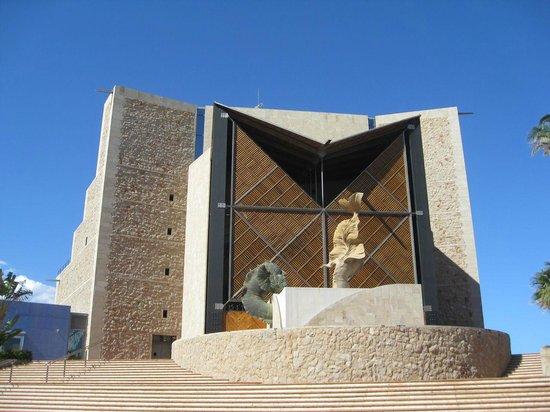 Playa de Las Canteras:                   Opera Haus
