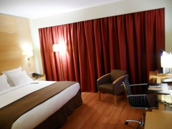 BAH Barcelona Airport Hotel: The room