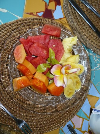 Guci Guesthouses: Fruit plate at breakfast