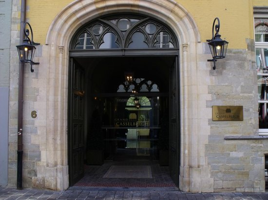 ‪‪Grand Hotel Casselbergh Bruges‬: Hotel entrance‬