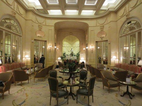 Hotel Ritz, Madrid:                   Bar seating off the lobby...