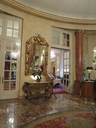 Hotel Ritz, Madrid:                   Lobby...