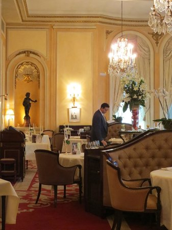 Hotel Ritz, Madrid:                   Peek into Restaurant Goya from the lobby....