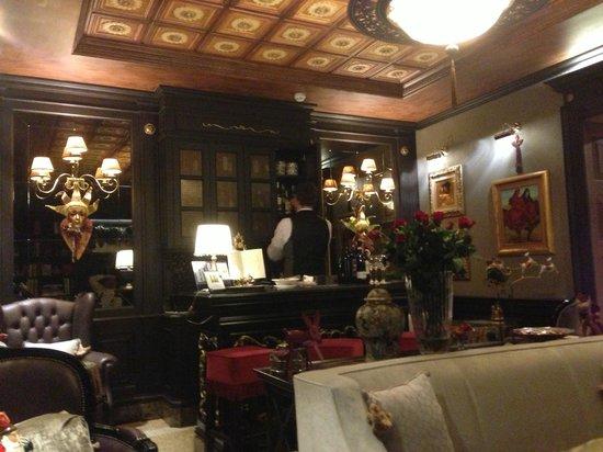 Hotel Moresco:                   lobby