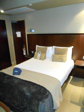 Radisson Blu Edwardian Grafton Hotel:                   Guest Room