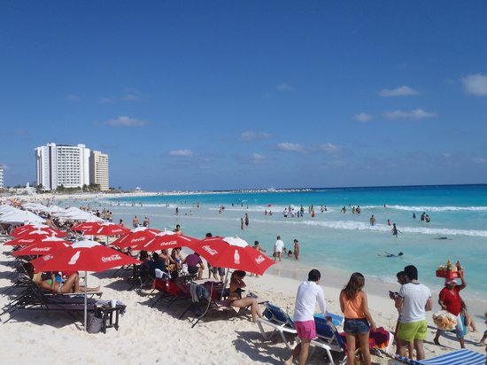 ‪Forum Beach Cancun‬
