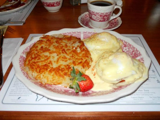 Nice Guy Hash Browns W Eggs Picture Of White Gull Inn