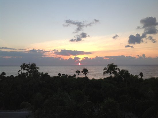 Grand Sirenis Riviera Maya Resort & Spa:                   The view from our balcony