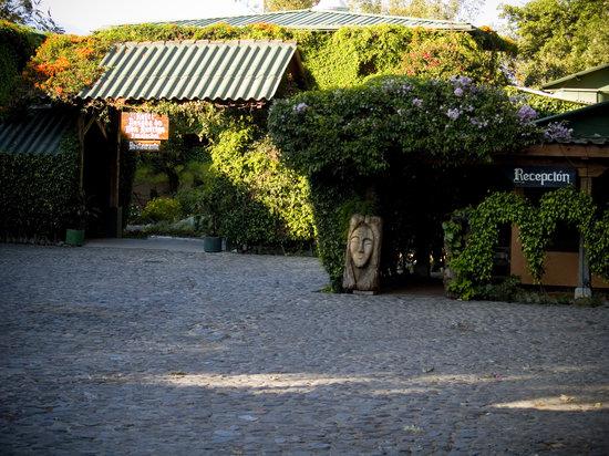 Hotel Posada de Don Rodrigo Panajachel: Hotel Entrance