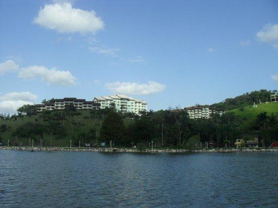 Fazzenda Park Hotel:                   Vista dos blocos Flores, Peixes e Pássaros