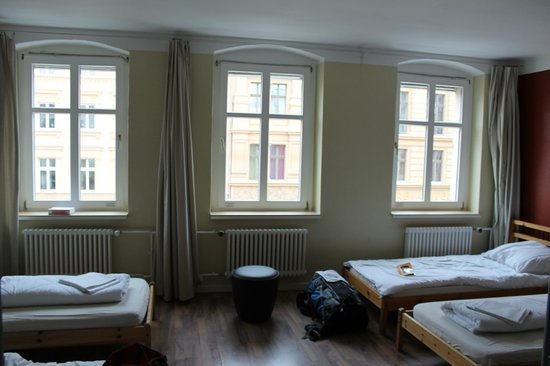 EastSeven Berlin Hostel:                   8 person dorm