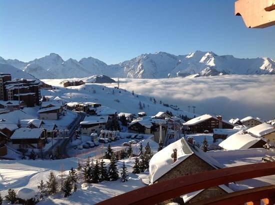Hotel  Grandes Rousses :                   vue de la suite 329 sur l'Alpe d'huez Janvier 2013 topisime...